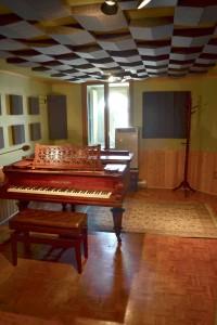 402_piano_PhotoNikon_828tr_2_C